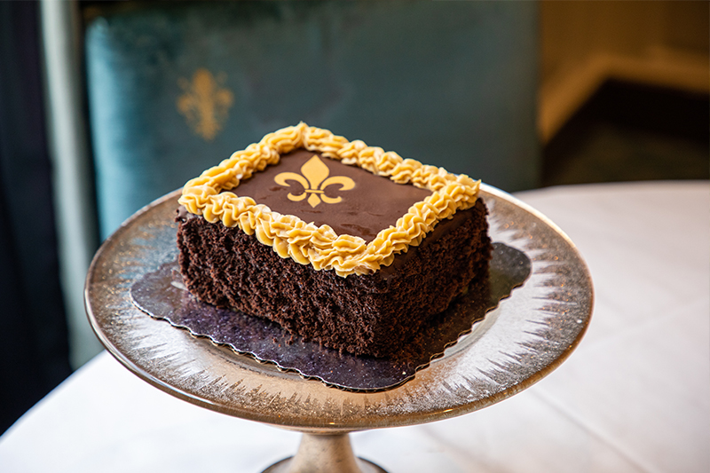 Father's Day - Decorate a Cake! Accompanying Image