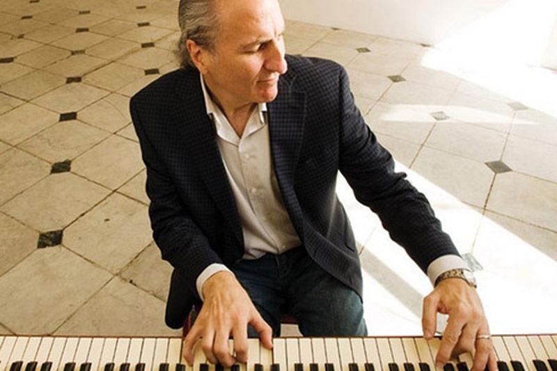 Joe Krown playing piano
